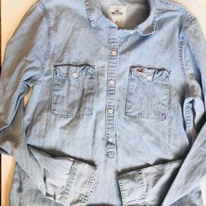 Hollister light blue button down shirt size m